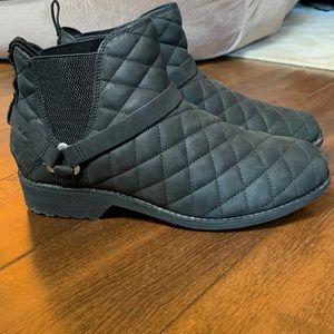 New Teva De La Vina Dos Chelsea Quilted Boots